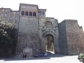 Porta1_etrusca